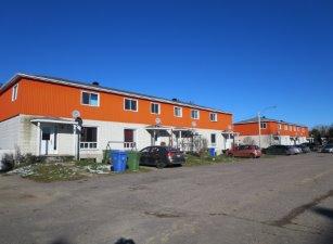 Propriété à revenus à Ferland-et-Boilleau, Saguenay/Lac-Saint-Jean - 1-8 Rue Côté