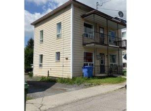 Duplex à Saguenay (Jonquière), Saguenay/Lac-Saint-Jean - 4025-4027 Rue St-Alexandre